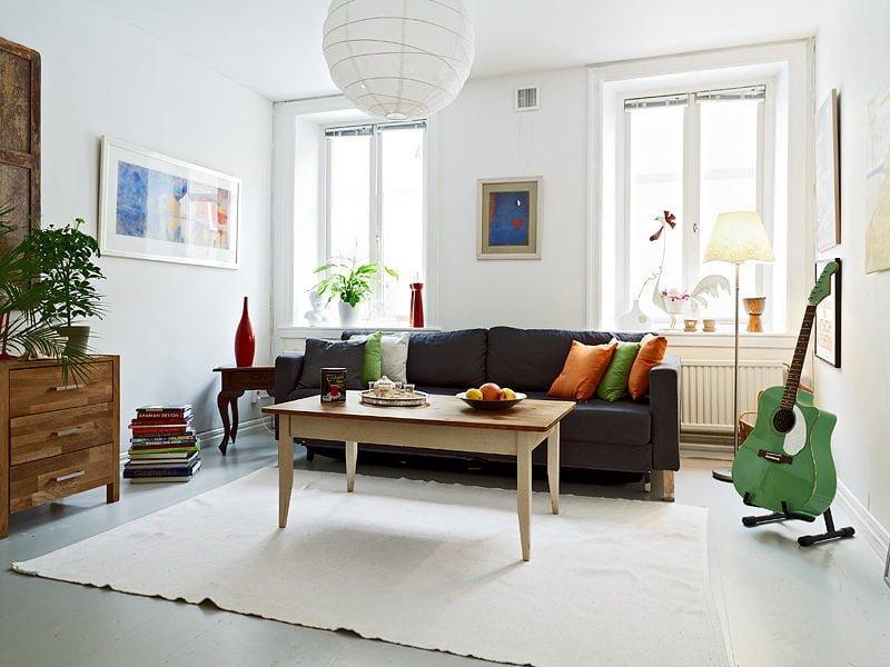 comfortable living room with gentle color Sắp xếp phong thủy nhà để tăng vận may tiền bạc qpdesign