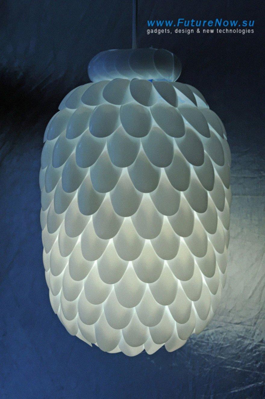 2576284 2 3 Đèn chùm trang trí làm từ những vật dụng không dùng nữa qpdesign