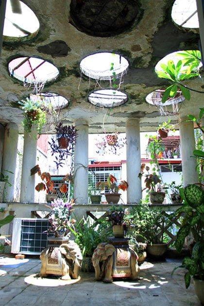 n9 1408328413a 660x0 Nhà vườn 70 năm tuổi giữa phố cổ Hà Nội qpdesign