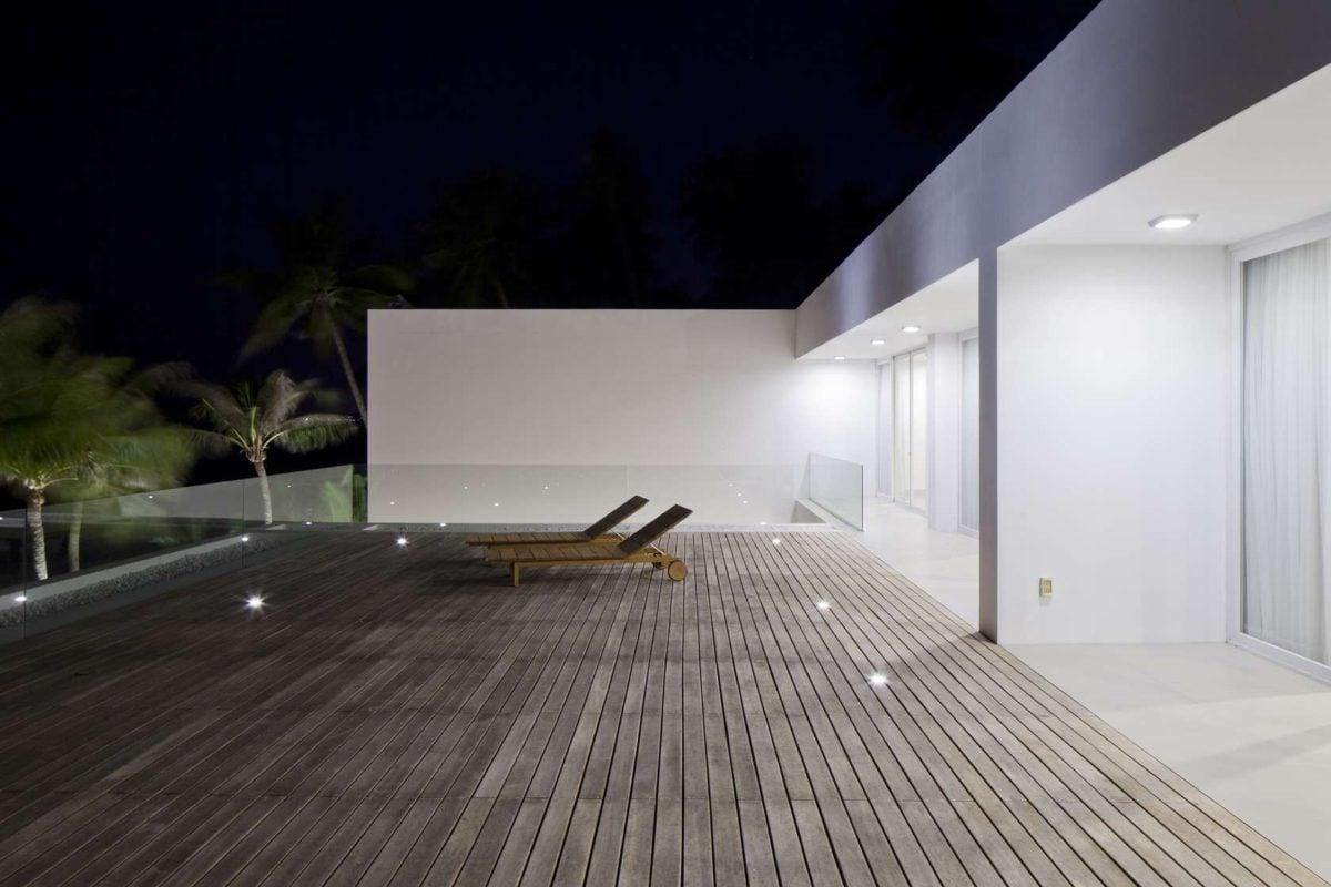 simple wooden deck Oceanique, dự án biệt thự sát biển. qpdesign