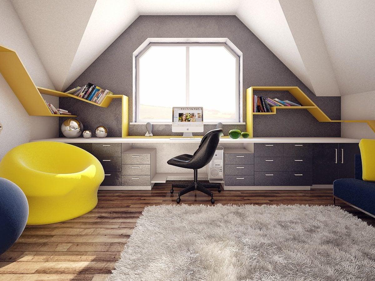 spacious-desk