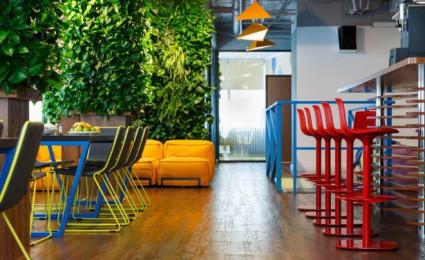 Văn phòng đầy màu sắc tại Nga