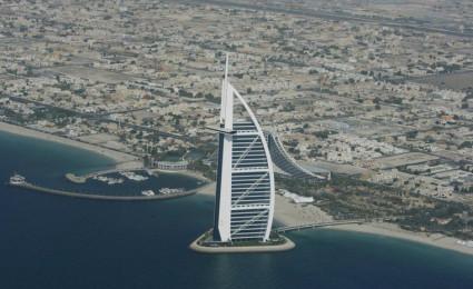 Xem Dubai biến sa mạc thành loạt công trình khủng