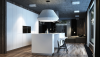 oversized light fixture 100x57 10 mẫu nhà bếp hiện đại cho những người thích nấu nướng (P2) qpdesign