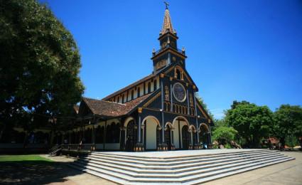 Chiêm ngưỡng kiệt tác nhà thờ gỗ ở Tây Nguyên