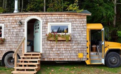 Ấn tượng chiếc xe buýt được cải tạo thành ngôi nhà di động