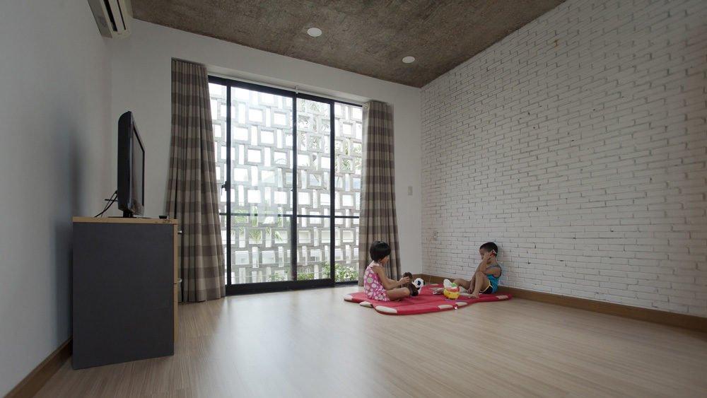 ngoi nha o sai gon 8 Ngôi nhà giữa nhà ở Sài Gòn thoáng đãng với vườn cây qpdesign