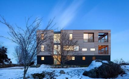 Watch Hill House – Ngôi nhà  bao quanh bởi gỗ và đá