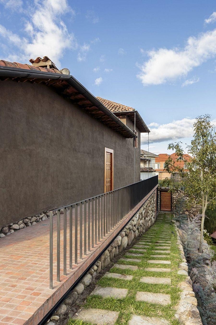 323 Loma House: Ngôi nhà kết hợp vẻ đẹp truyền thống và hiện đại tại Ecuador qpdesign