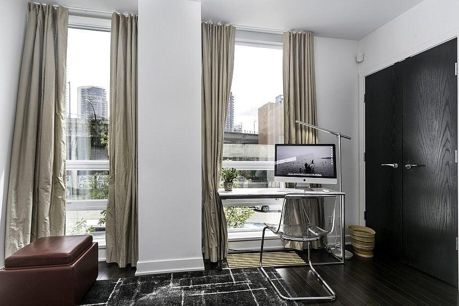 Thiết kế nhà phố thanh lịch và đơn giản với tông màu đen - trắng