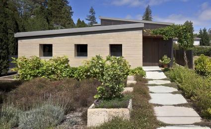 Ngôi nhà đơn giản và ấm cúng tại California