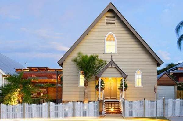 1179 Nhà thờ được cải tạo lại thành một không gian sống hiện đại và tiện nghi qpdesign