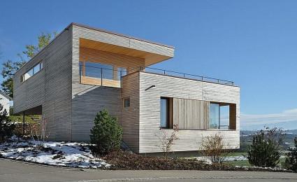 Ngôi nhà gỗ đáng yêu trên sườn núi tại Thụy Sĩ