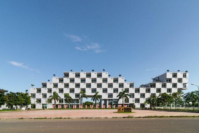 1 1 1438921561 660x0 Tham quan trường Đại học FPT với thiết kế xanh độc đáo qpdesign