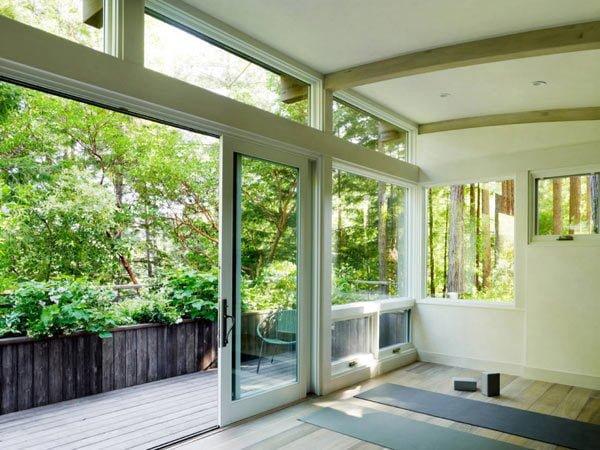 1013 Cabin nhỏ trong rừng được bao phủ bởi cây xanh tại California qpdesign
