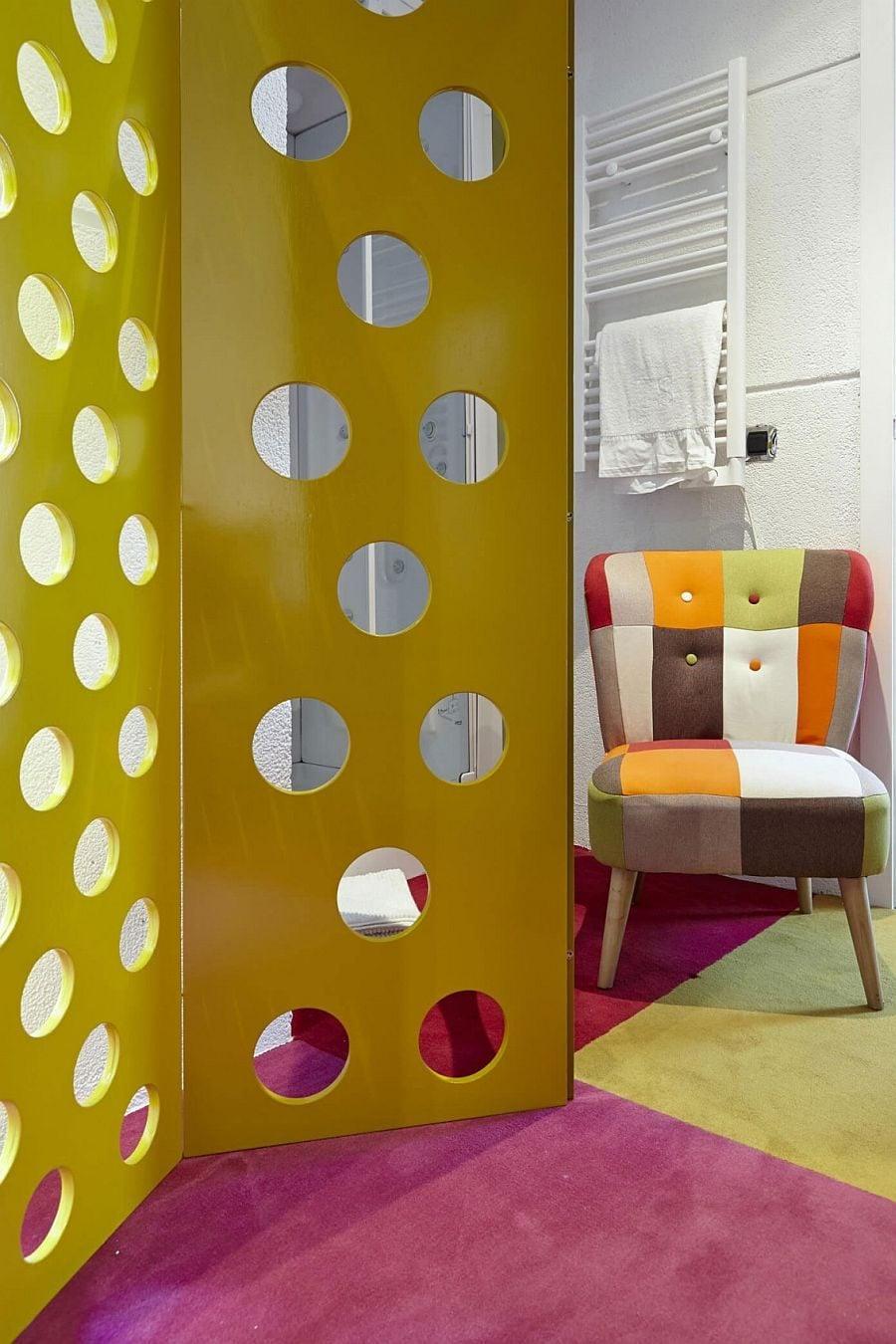 1039 Thiết kế nội thất táo bạo và đầy màu sắc của ngôi nhà tại Tây Ban Nha qpdesign