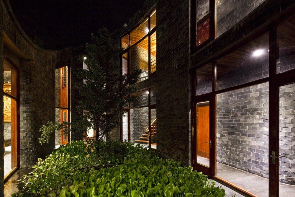 15 1398138910 1200x0 Ngôi nhà đá phủ cây xanh giành giải Kiến trúc xanh Việt Nam qpdesign
