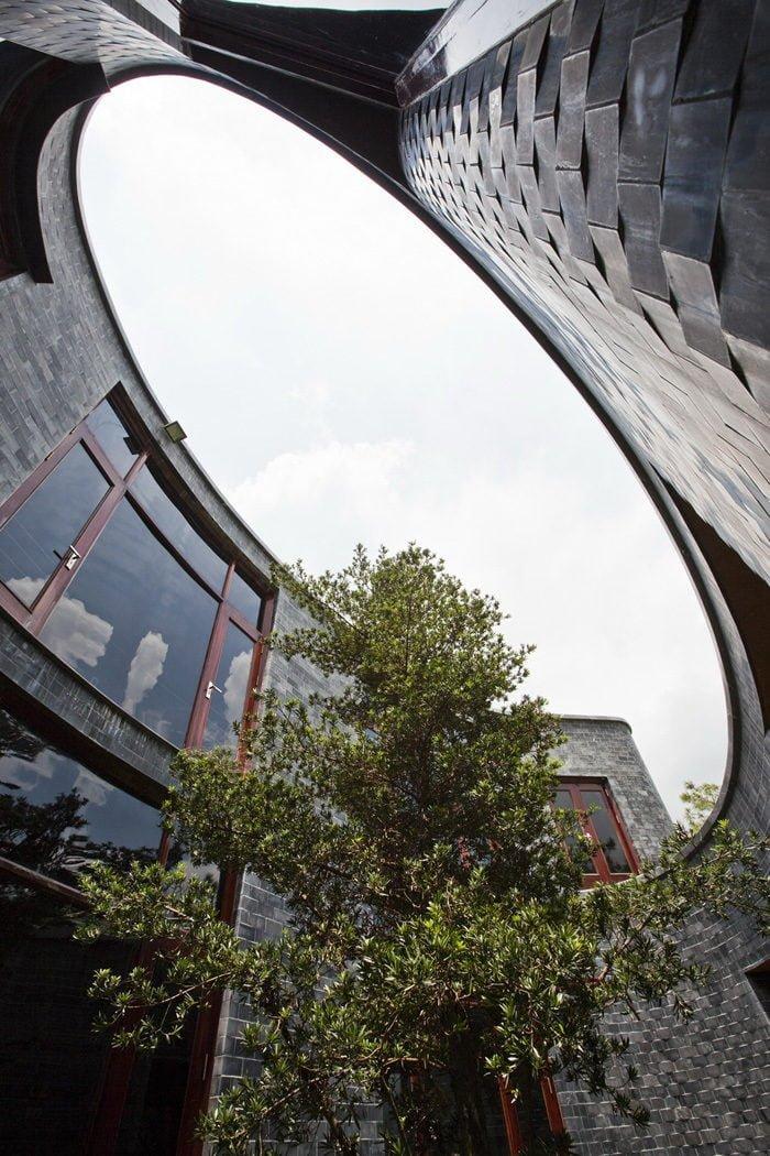 17 1398138911 1200x0 Ngôi nhà đá phủ cây xanh giành giải Kiến trúc xanh Việt Nam qpdesign
