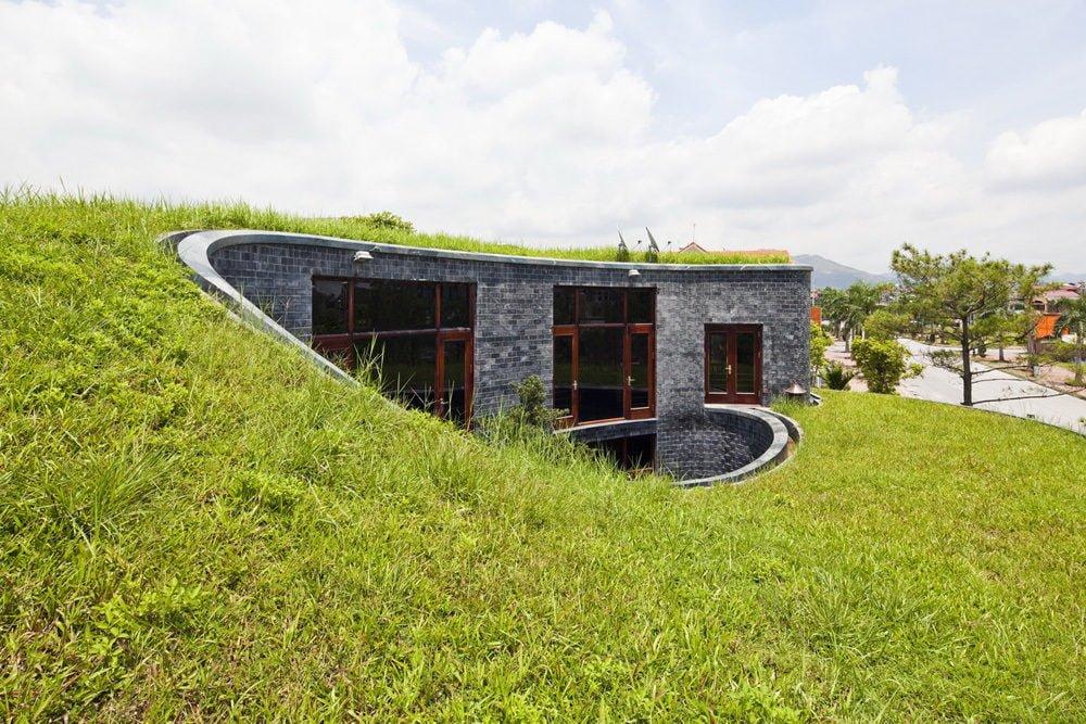 5 1398138908 1200x0 Ngôi nhà đá phủ cây xanh giành giải Kiến trúc xanh Việt Nam qpdesign