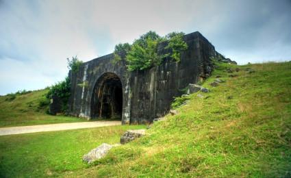 Khám phá tòa thành cổ kỳ vĩ nhất Việt Nam