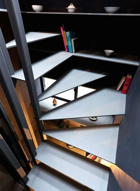 Toshima-long-and-narrow-house-stairs-and-shelves-1439461946_1200x0