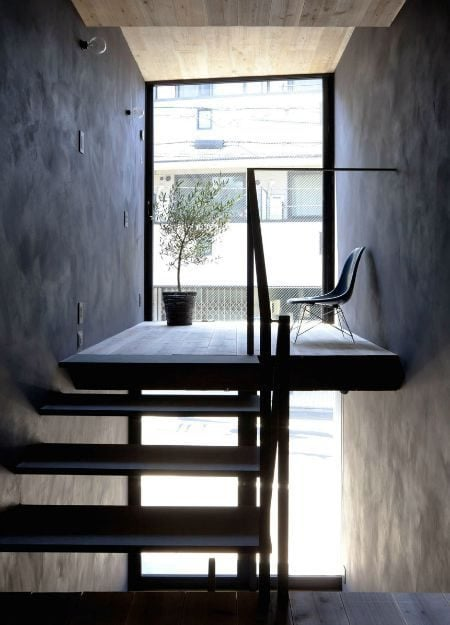 Toshima-long-and-narrow-house-terrace-1439461972_1200x0