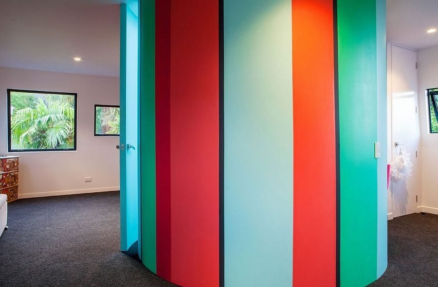 125 Ngôi nhà phong cách công nghiệp với kính, thép là vật liệu chính qpdesign
