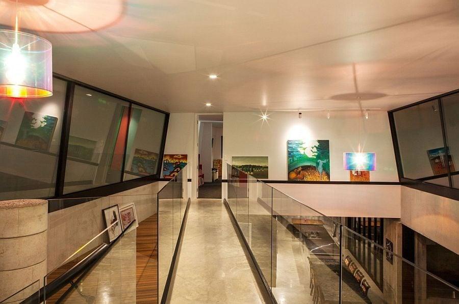 153 Ngôi nhà phong cách công nghiệp với kính, thép là vật liệu chính qpdesign