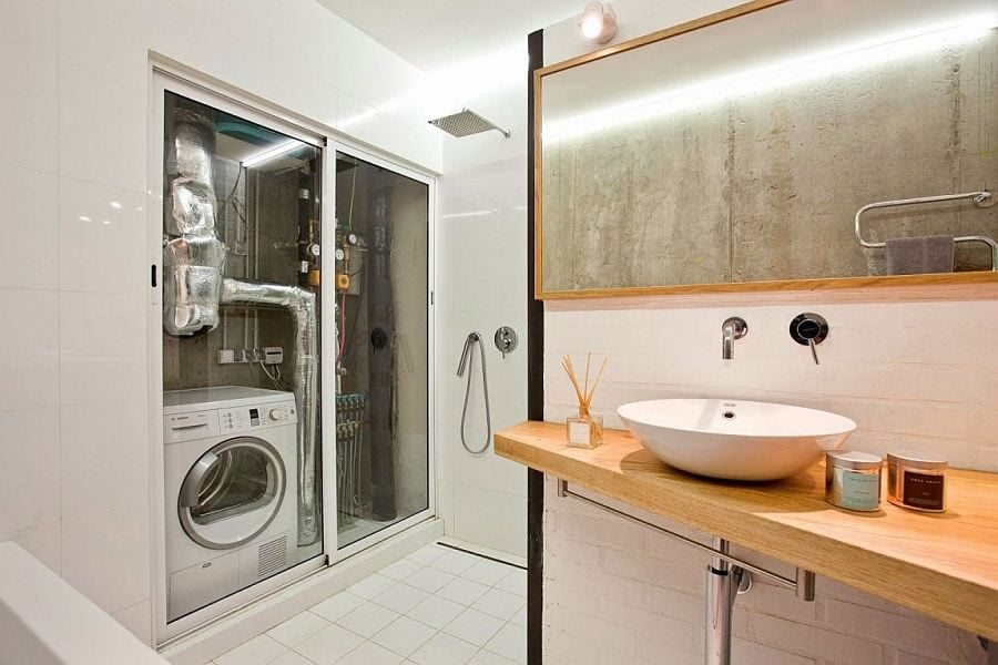13Smart-bathroom-design-serves-as-a-multi-purpose-room