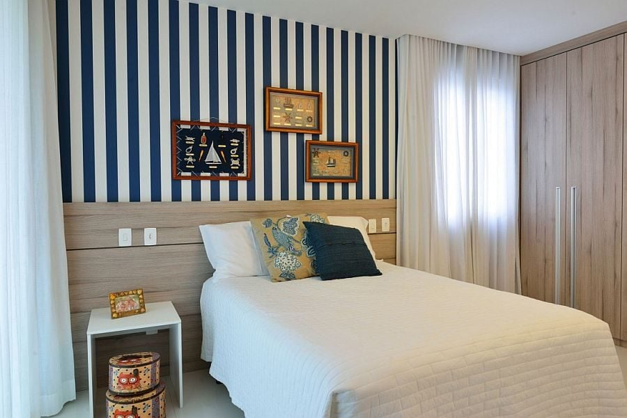 19Striped-accent-wall-for-the-small-bedroom