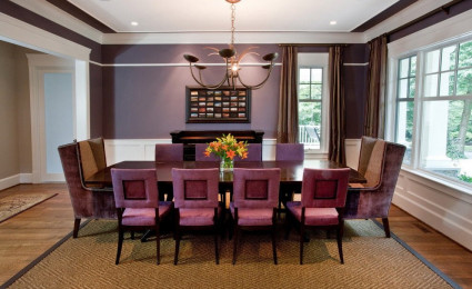 Thổi hồn phòng ăn bằng gam màu tím