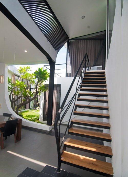 8 1444380835 1200x0 Nhà phố trong hẻm Sài Gòn với vườn cây xanh mát qpdesign