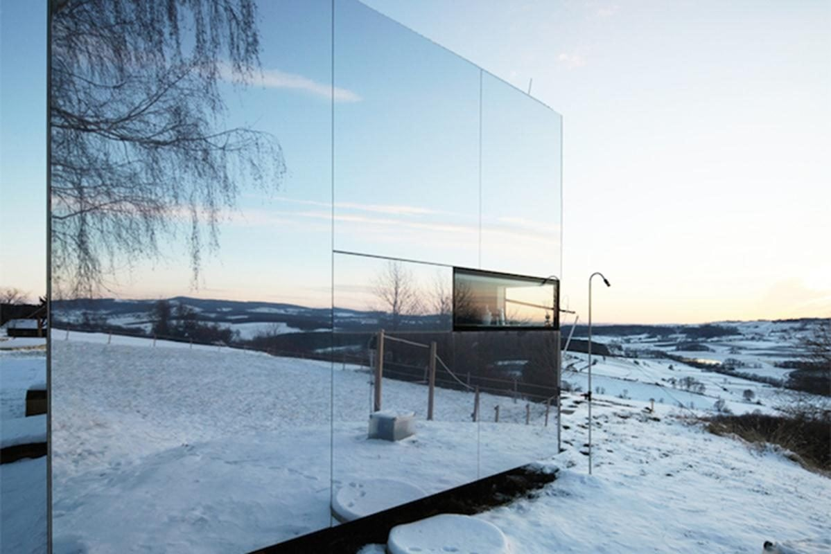 Delugan-Meissl-Associated-Architects-Mirrored-Tailor-Made-Casa-Invisibile-3-Copy