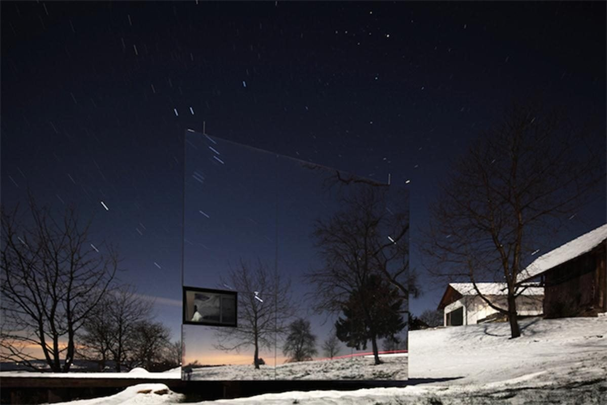 Delugan-Meissl-Associated-Architects-Mirrored-Tailor-Made-Casa-Invisibile-7-Copy