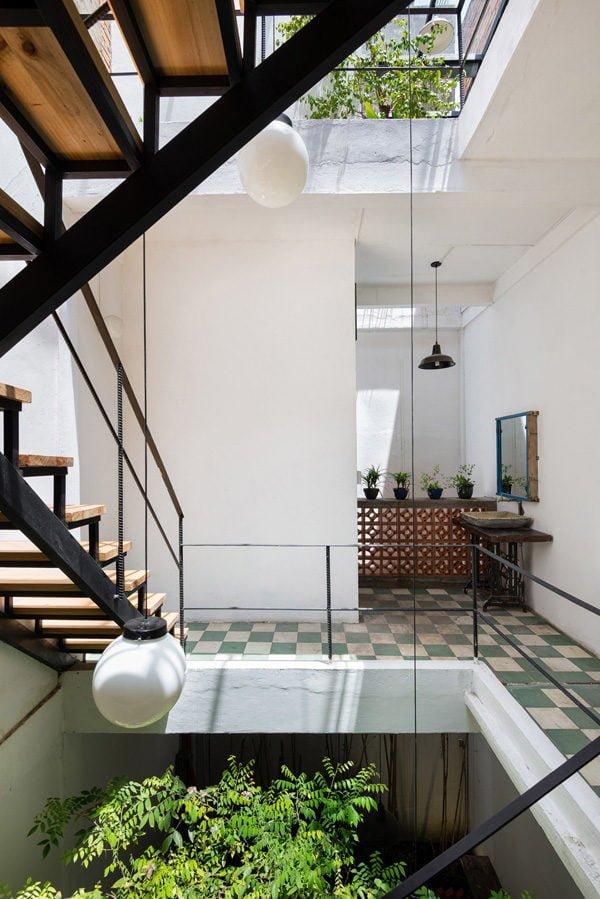 vegan house 10201506271747187518 Vegan House Nhà Sài Gòn cũ được cải tạo đầy sắc màu lên báo Mỹ qpdesign