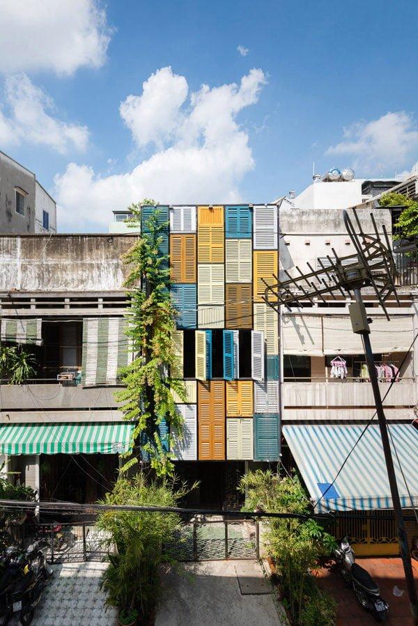 vegan house 1201506271745508018 Vegan House Nhà Sài Gòn cũ được cải tạo đầy sắc màu lên báo Mỹ qpdesign