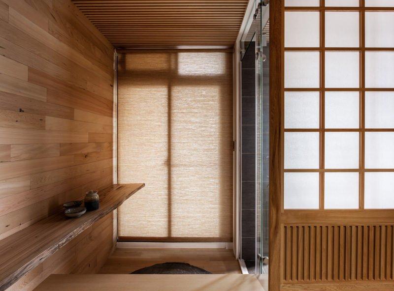 10wood-panel-room