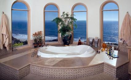 20 mẫu phòng tắm sang trọng có view nhìn ra biển