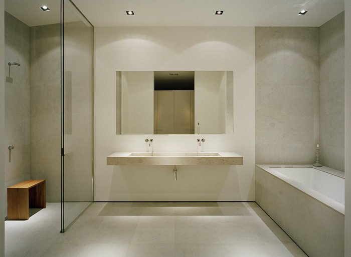 12Modern-Lake-House-Master-Bathroom-1
