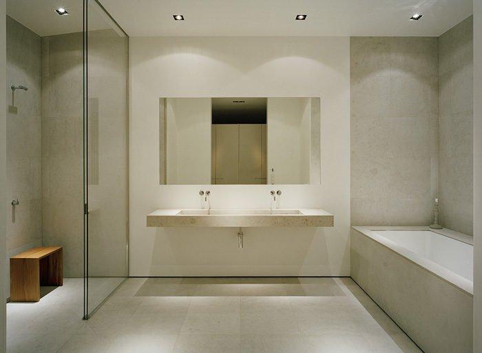 12Modern-Lake-House-Master-Bathroom-1