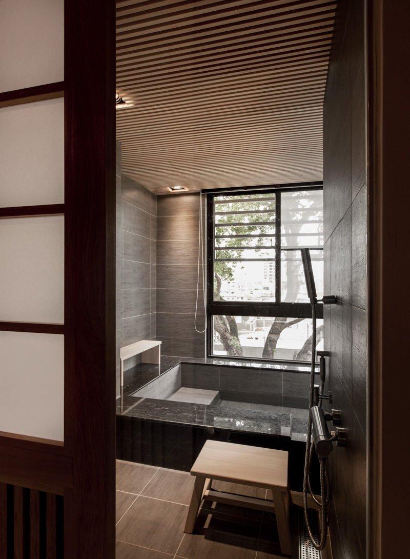 12tile-bathtub