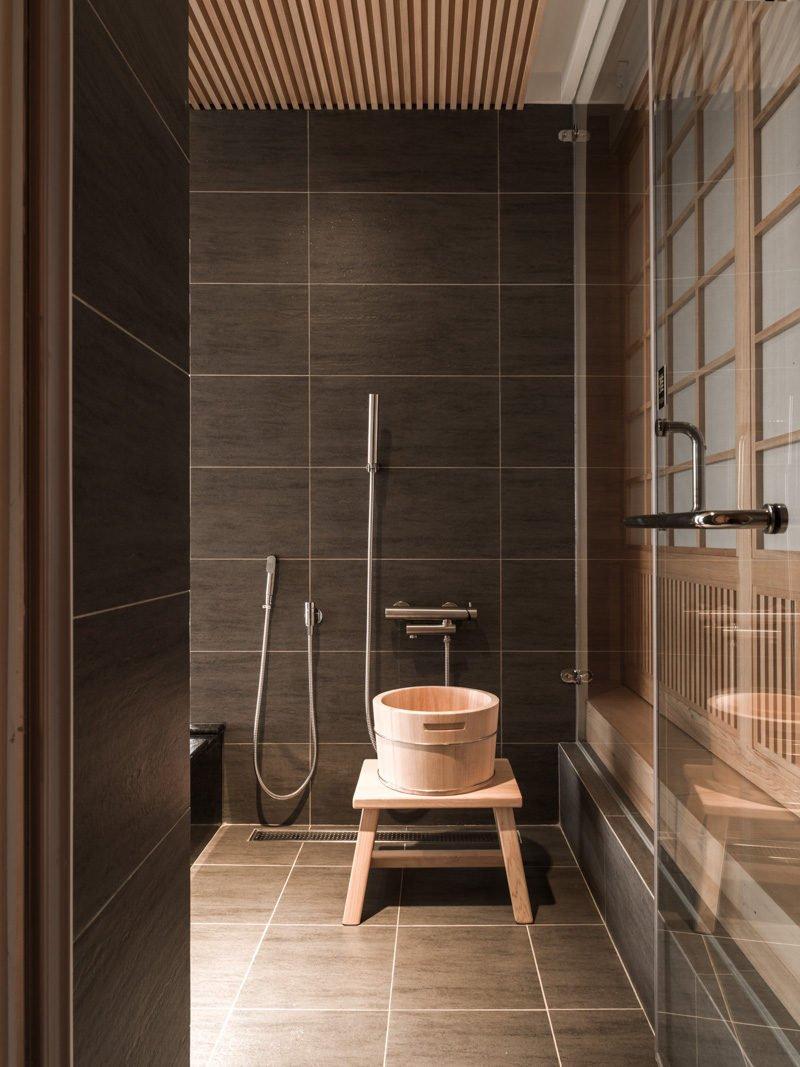 13japanese-bathroom