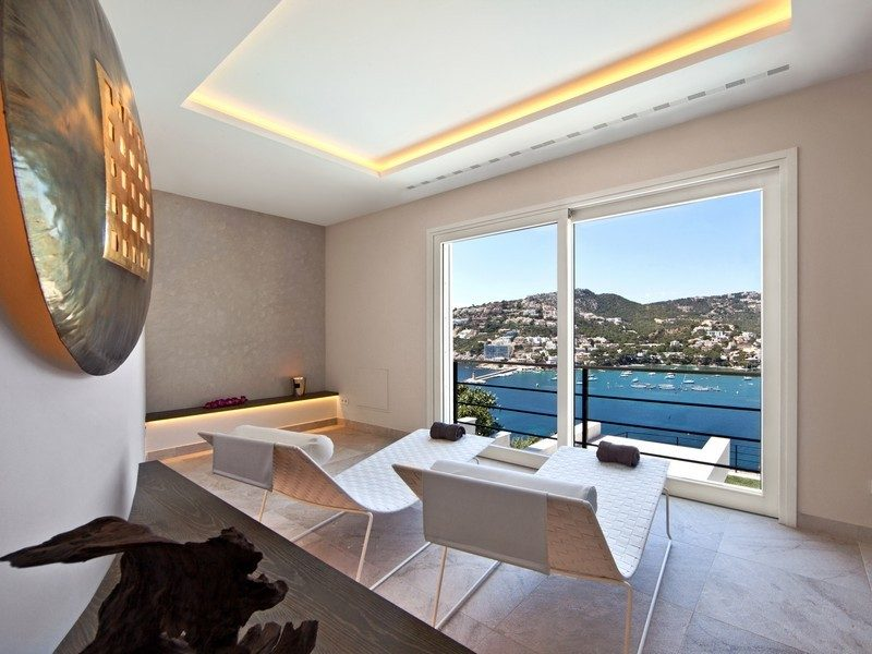 16relaxing-patio-furniture