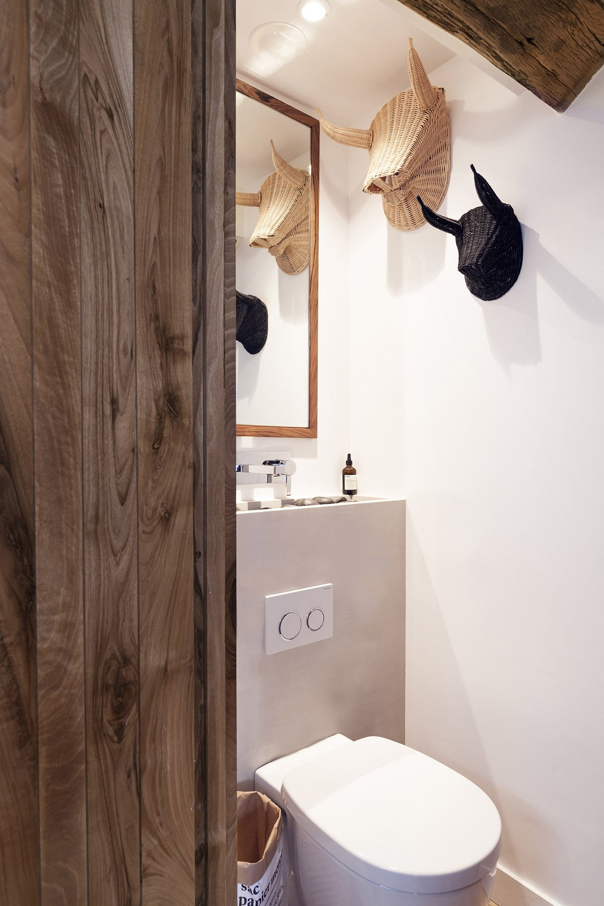 16rustic-bathroom