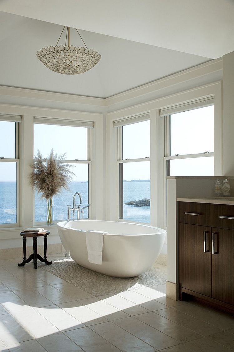19Neutral-hues-let-the-view-on-offer-shine-through-in-the-master-bath