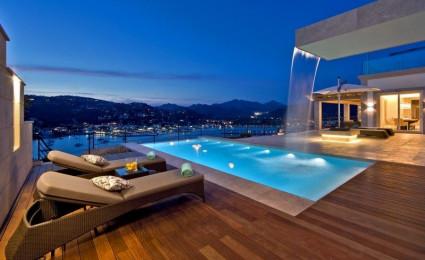 Biệt thự nghỉ dưỡng trên vách đá với view hướng ra biển