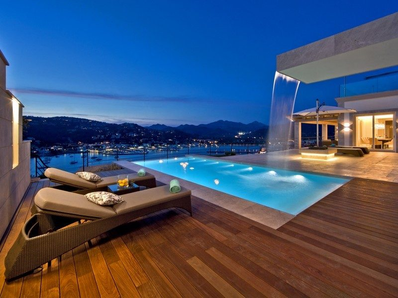 1amazing-pool-with-a-view