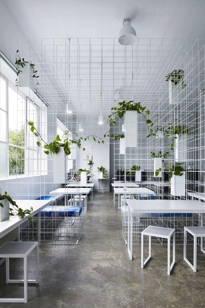 Không gian văn phòng tươi mới hơn nhờ cây xanh