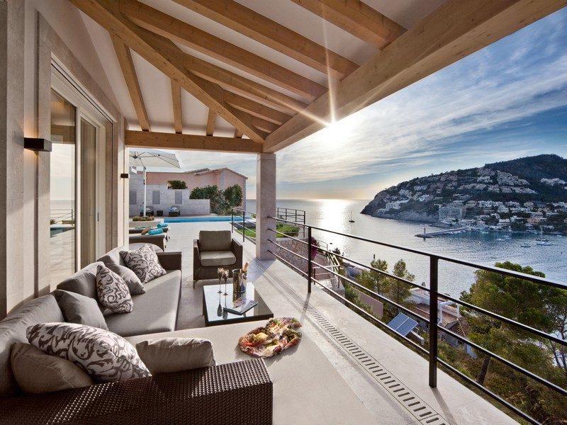 4spanish-balcony