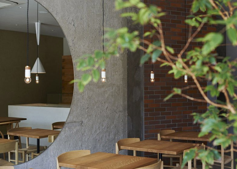 61Ito-biyori-cafe-by-Ninkipen-Osaka-Japan_dezeen_784_4
